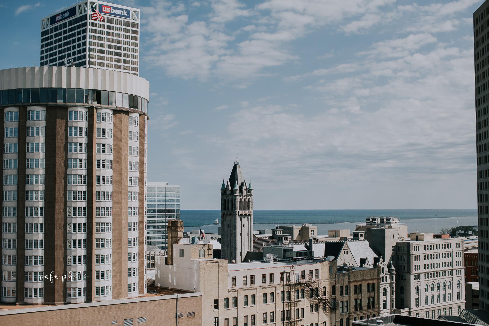 Milwaukee-Athletic-Club-Wedding-Amanda-Tony-Vafa-Photo-240.jpg