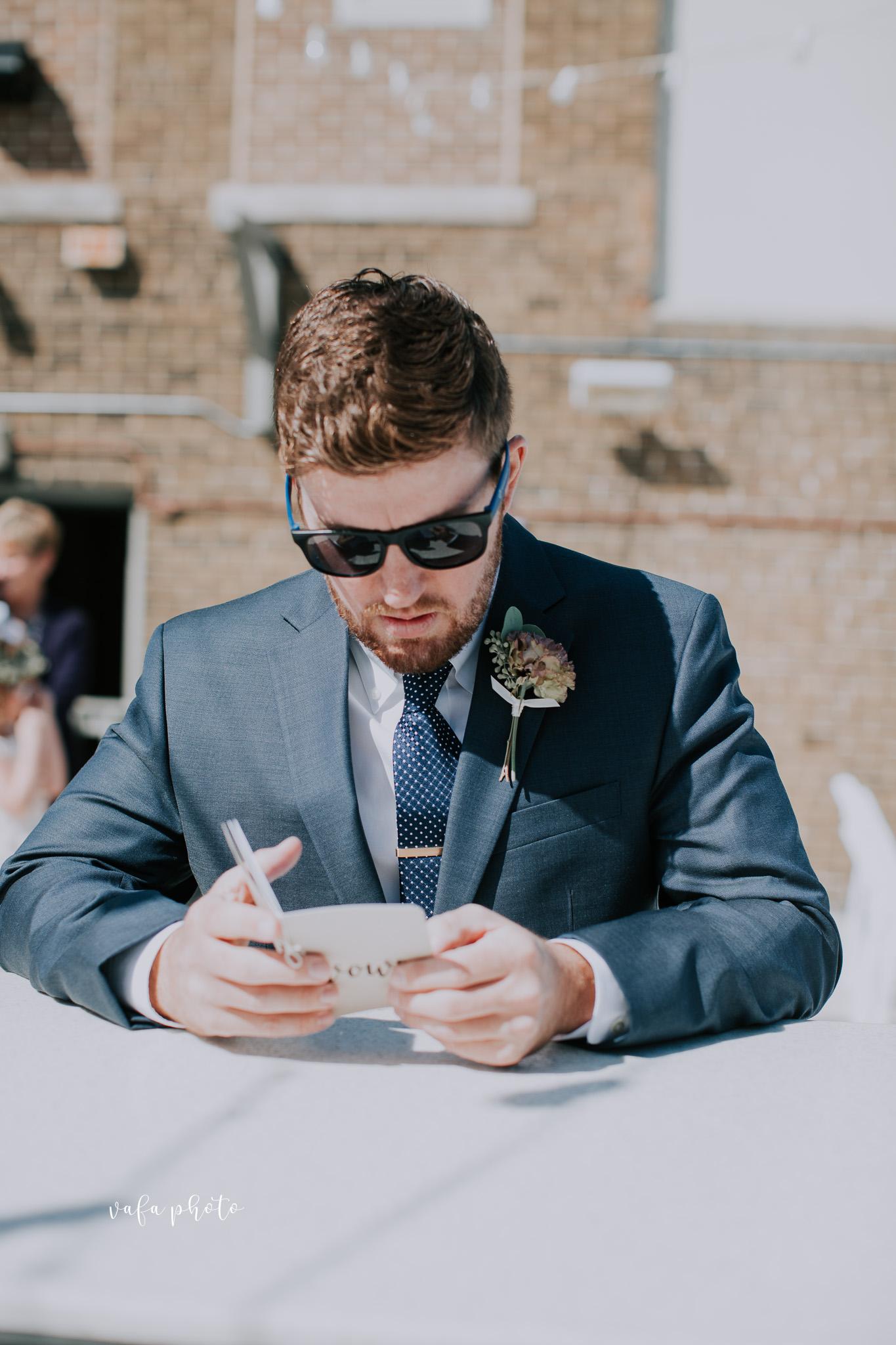 Milwaukee-Athletic-Club-Wedding-Amanda-Tony-Vafa-Photo-249.jpg