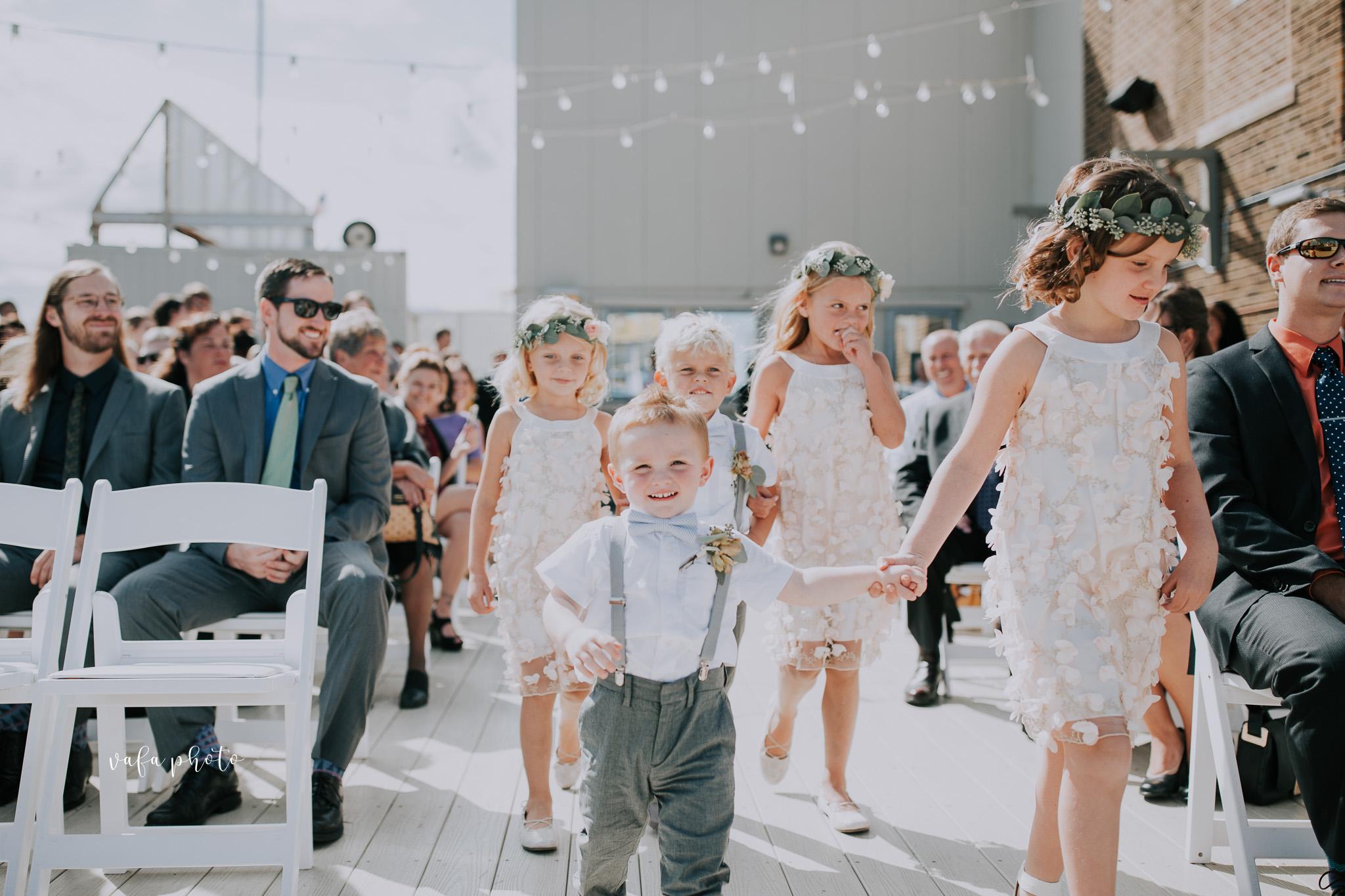 Milwaukee-Athletic-Club-Wedding-Amanda-Tony-Vafa-Photo-305.jpg