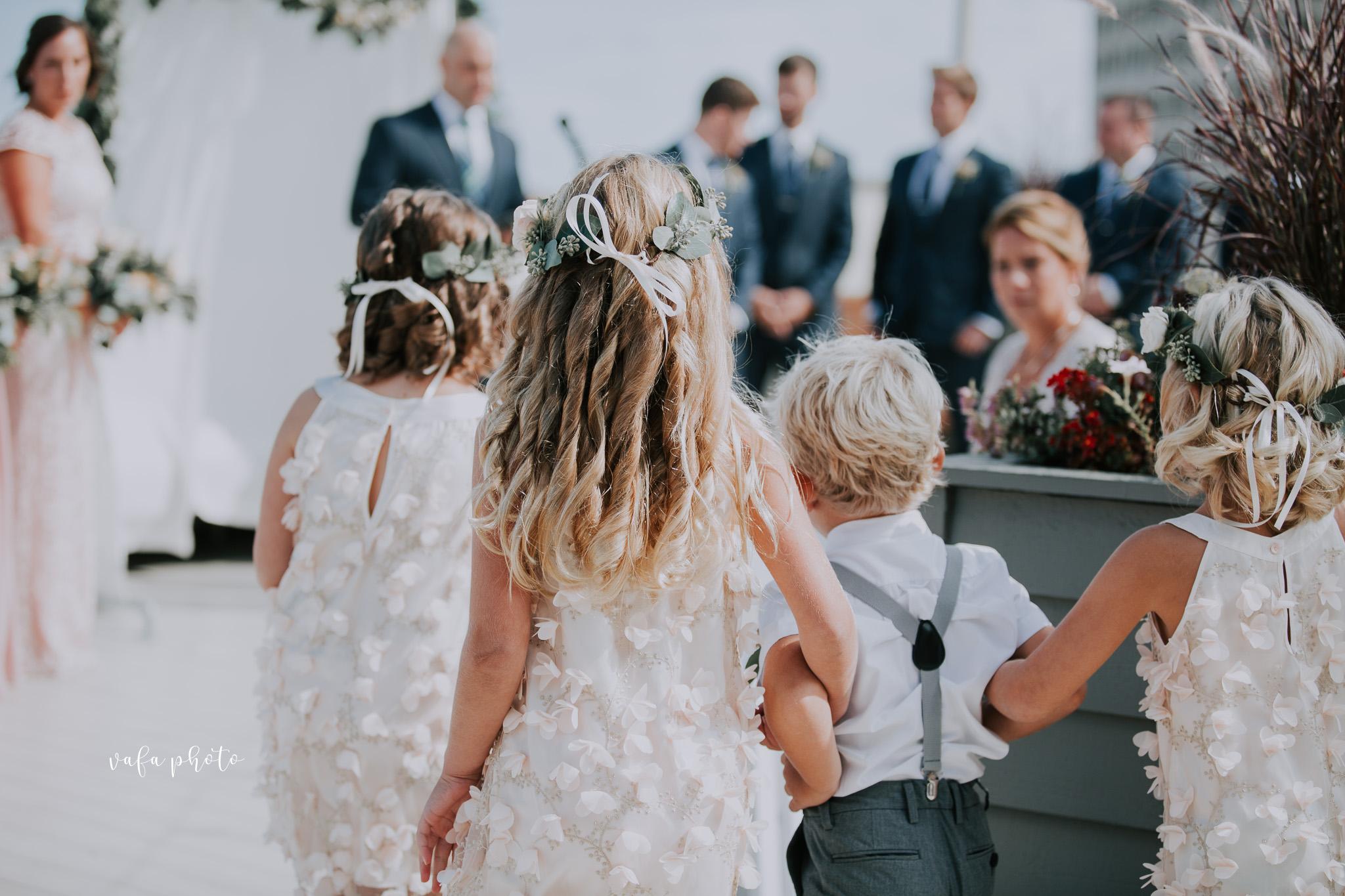 Milwaukee-Athletic-Club-Wedding-Amanda-Tony-Vafa-Photo-309.jpg