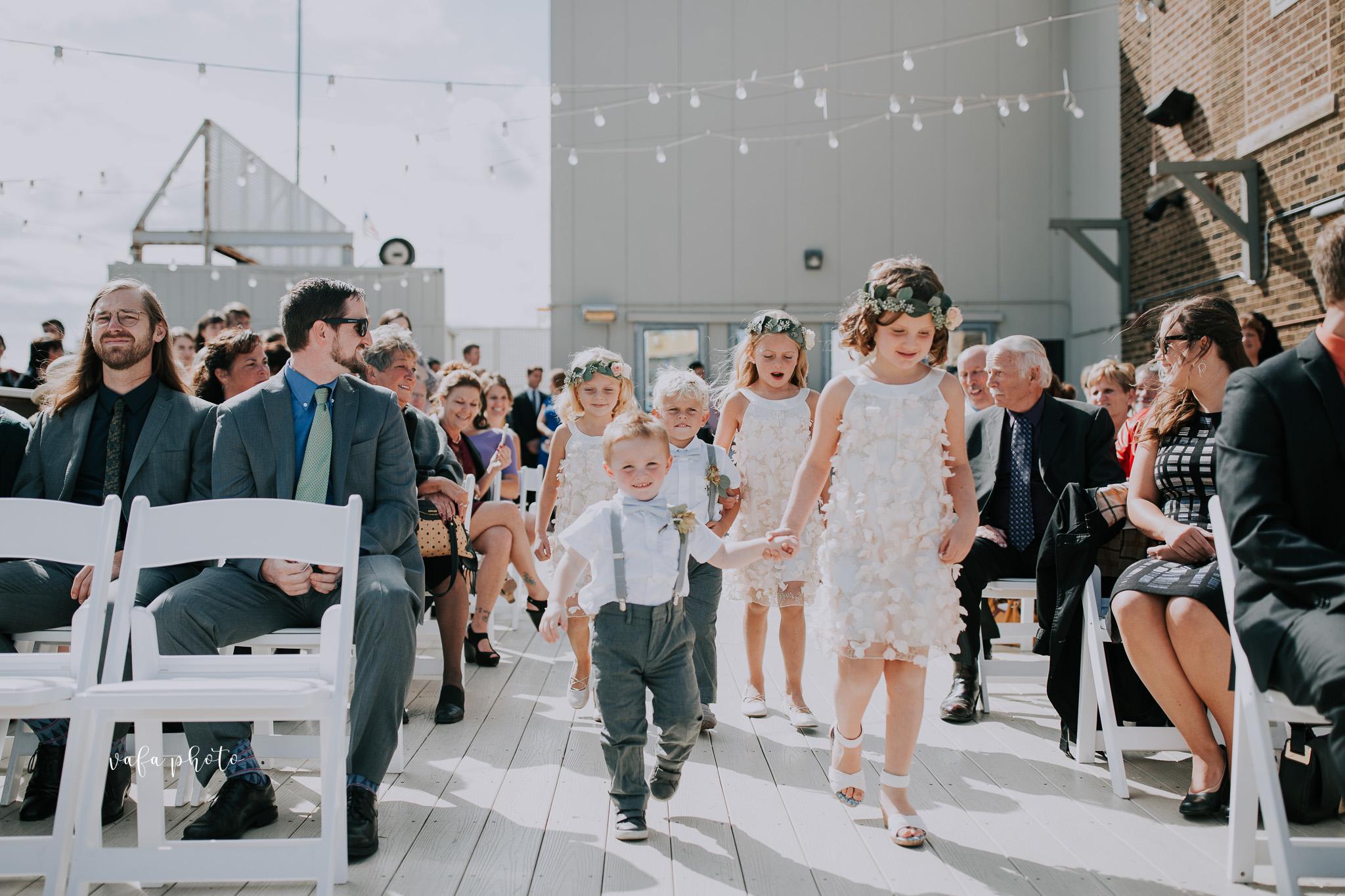 Milwaukee-Athletic-Club-Wedding-Amanda-Tony-Vafa-Photo-303.jpg
