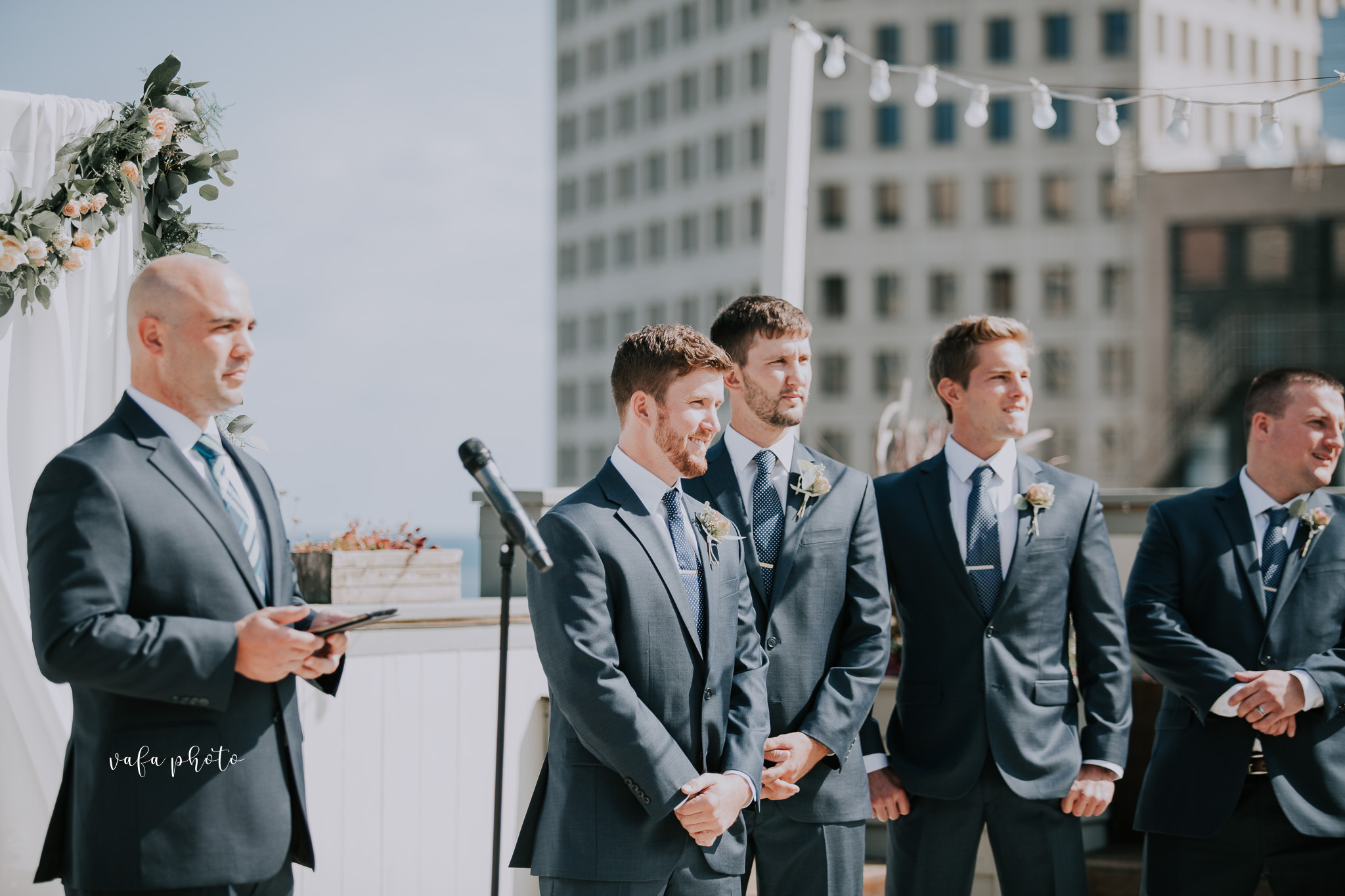 Milwaukee-Athletic-Club-Wedding-Amanda-Tony-Vafa-Photo-310.jpg
