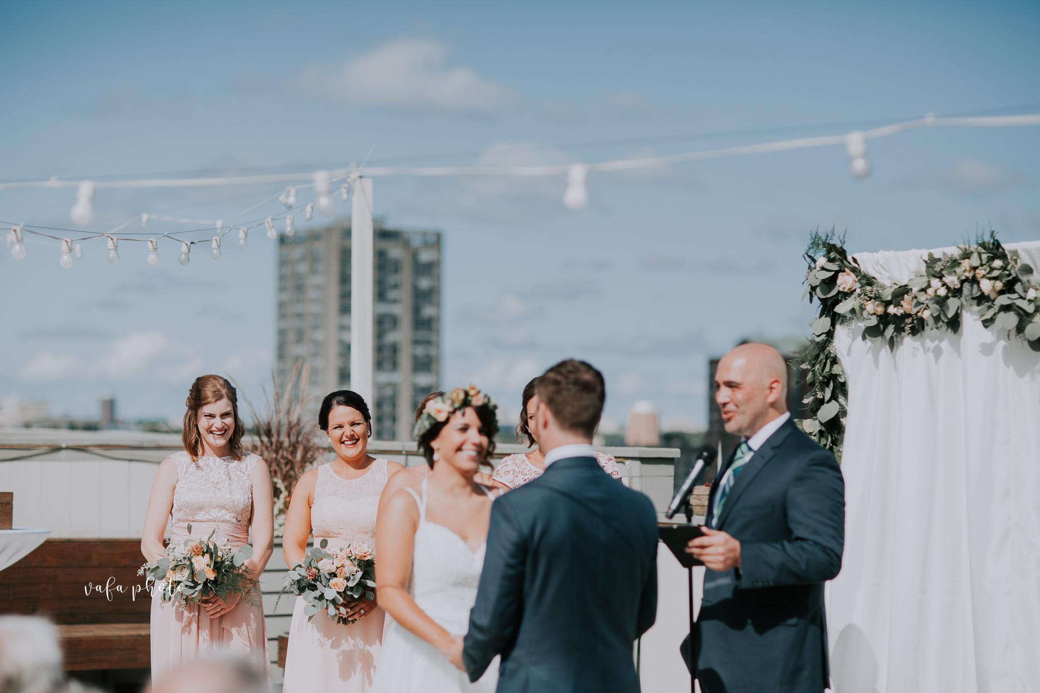 Milwaukee-Athletic-Club-Wedding-Amanda-Tony-Vafa-Photo-345.jpg