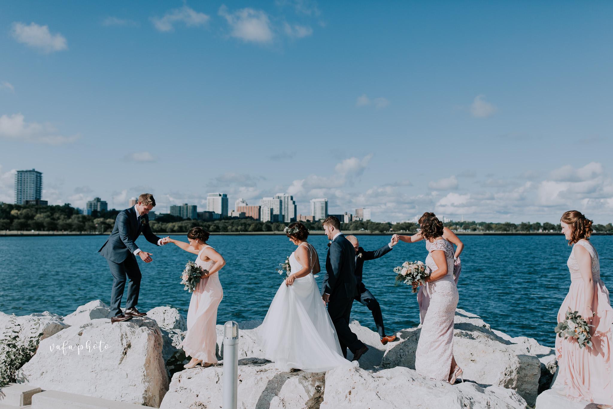Milwaukee-Athletic-Club-Wedding-Amanda-Tony-Vafa-Photo-539.jpg