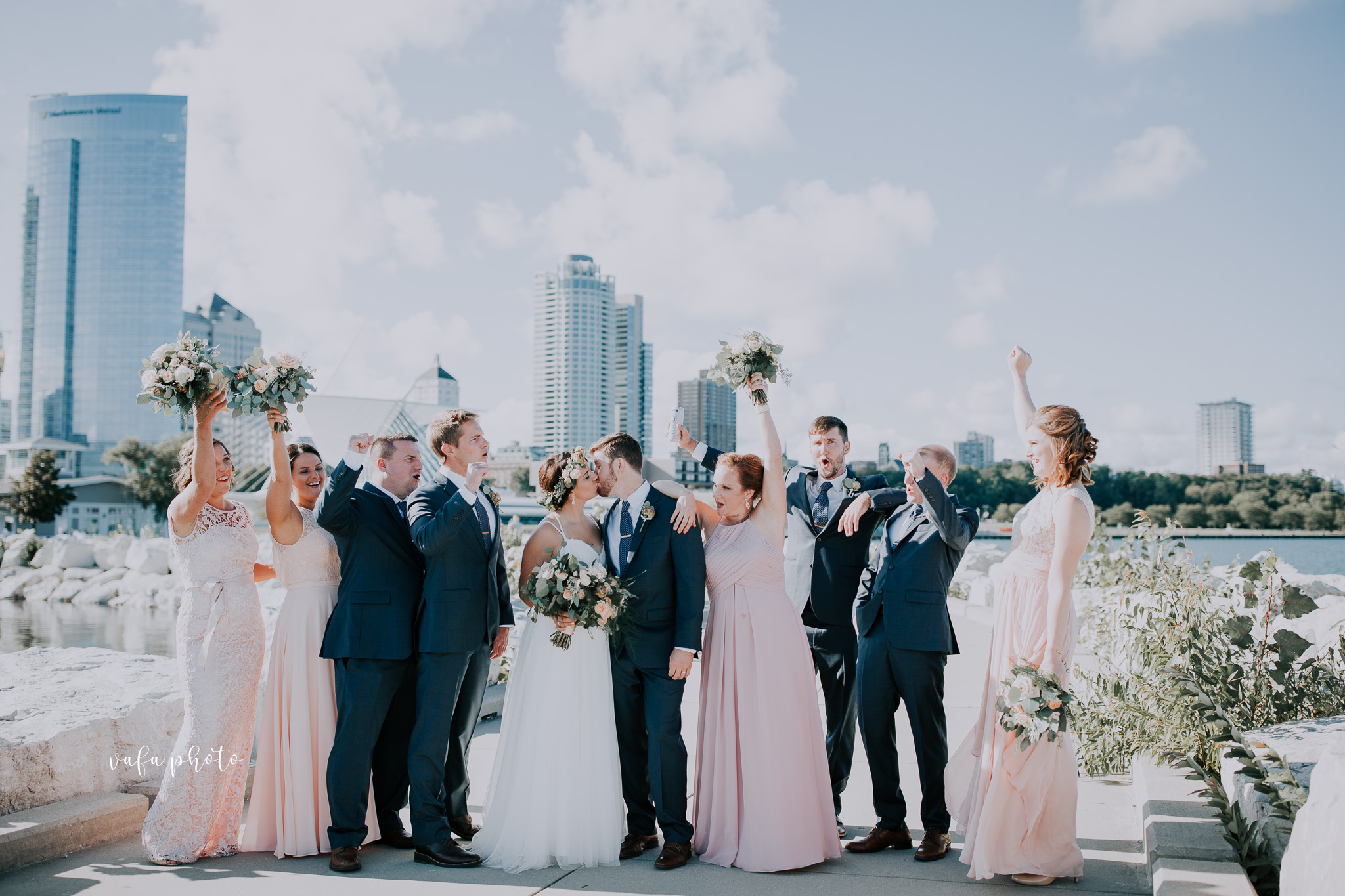 Milwaukee-Athletic-Club-Wedding-Amanda-Tony-Vafa-Photo-567.jpg