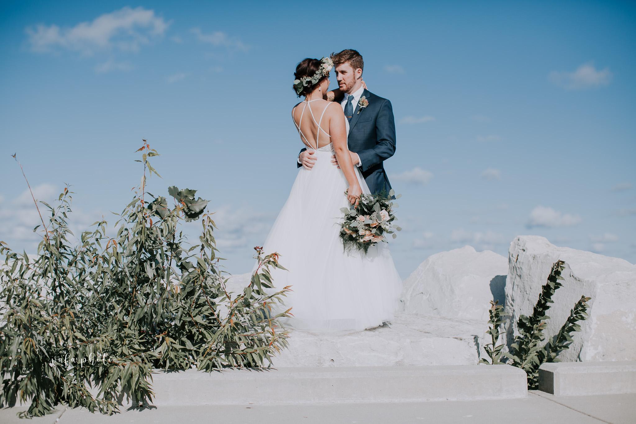 Milwaukee-Athletic-Club-Wedding-Amanda-Tony-Vafa-Photo-572.jpg