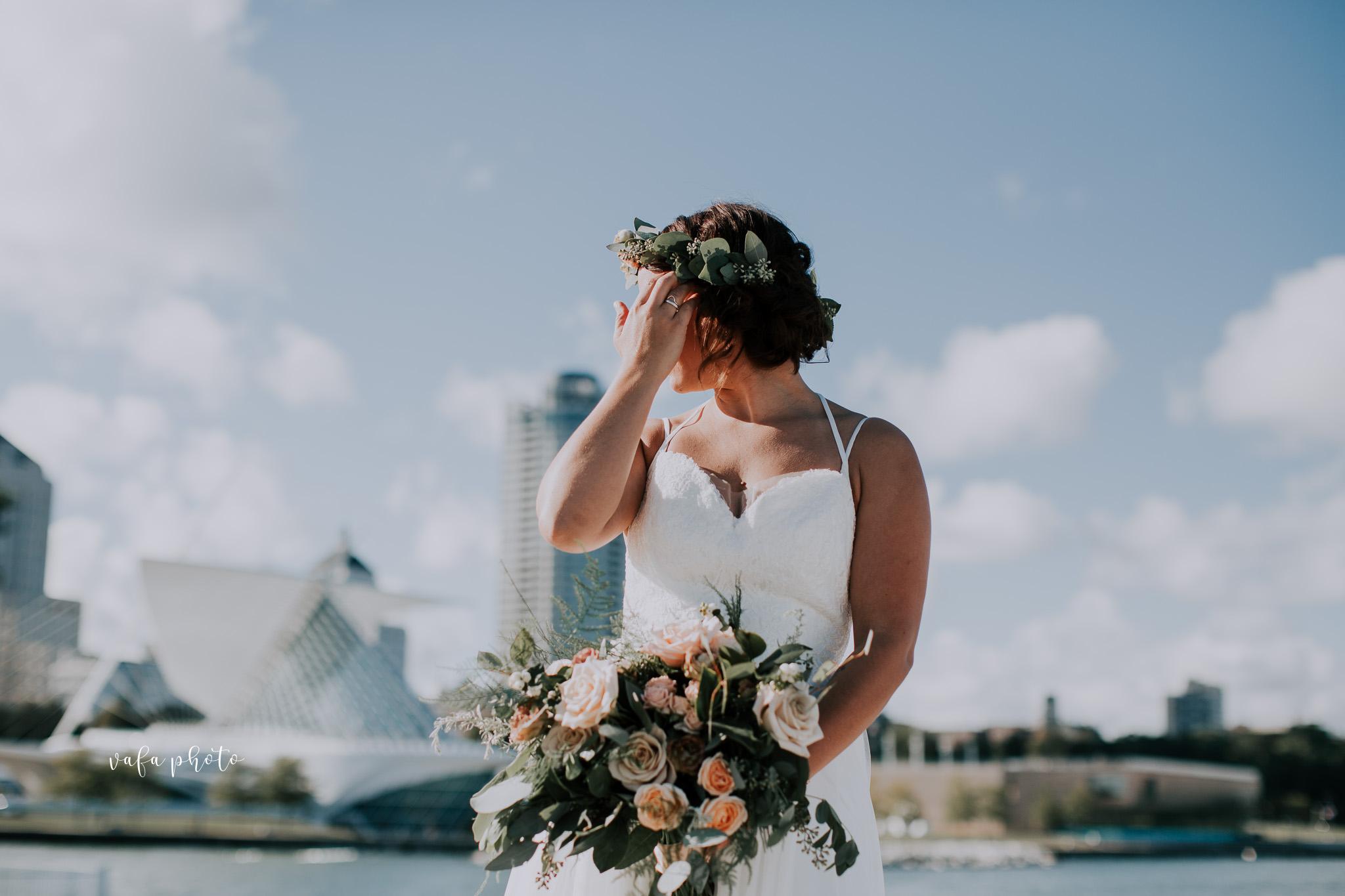Milwaukee-Athletic-Club-Wedding-Amanda-Tony-Vafa-Photo-627.jpg