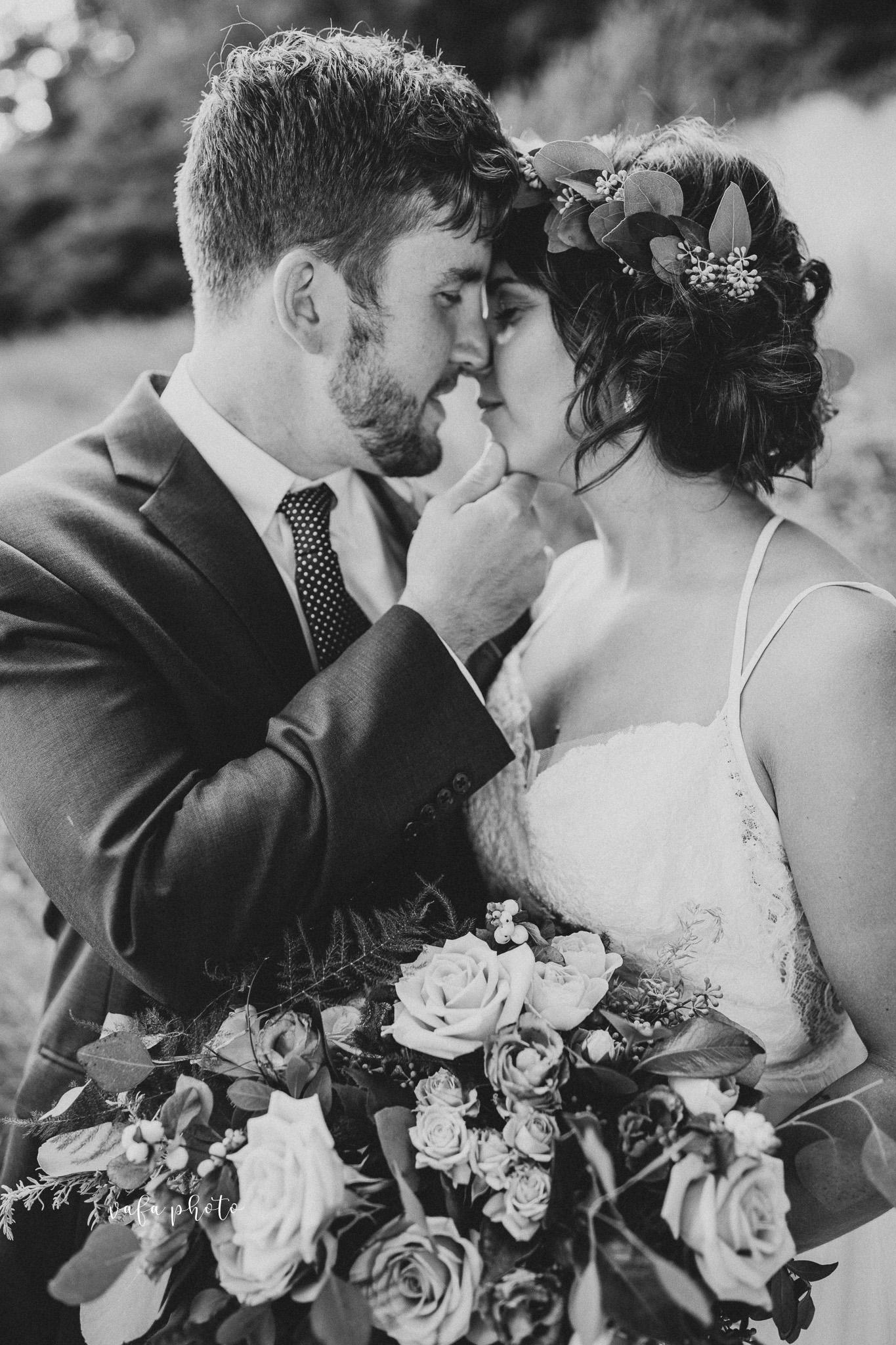Milwaukee-Athletic-Club-Wedding-Amanda-Tony-Vafa-Photo-709.jpg