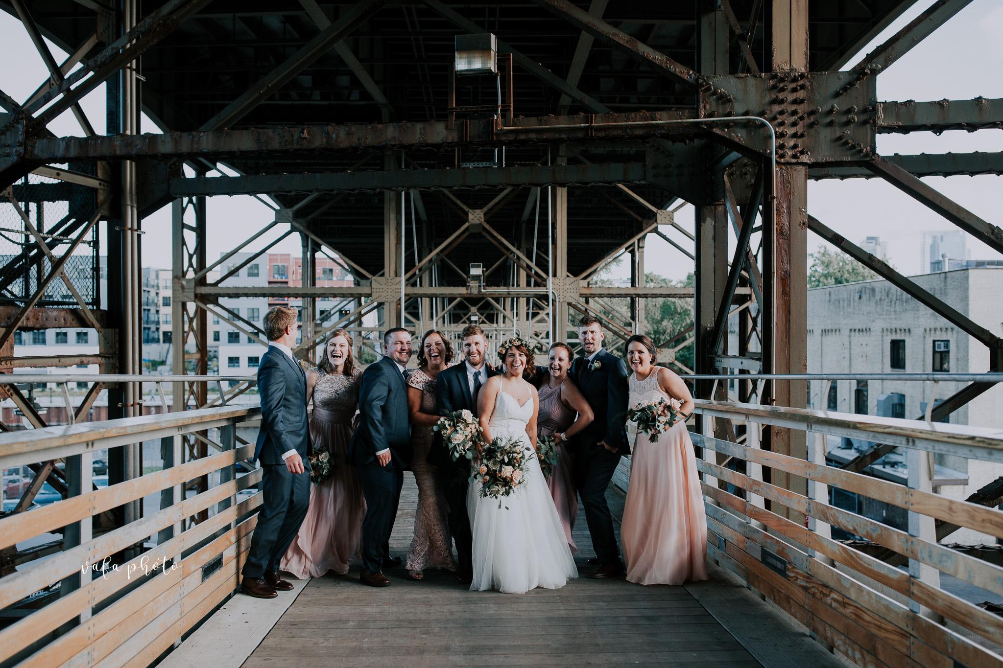 Milwaukee-Athletic-Club-Wedding-Amanda-Tony-Vafa-Photo-783.jpg
