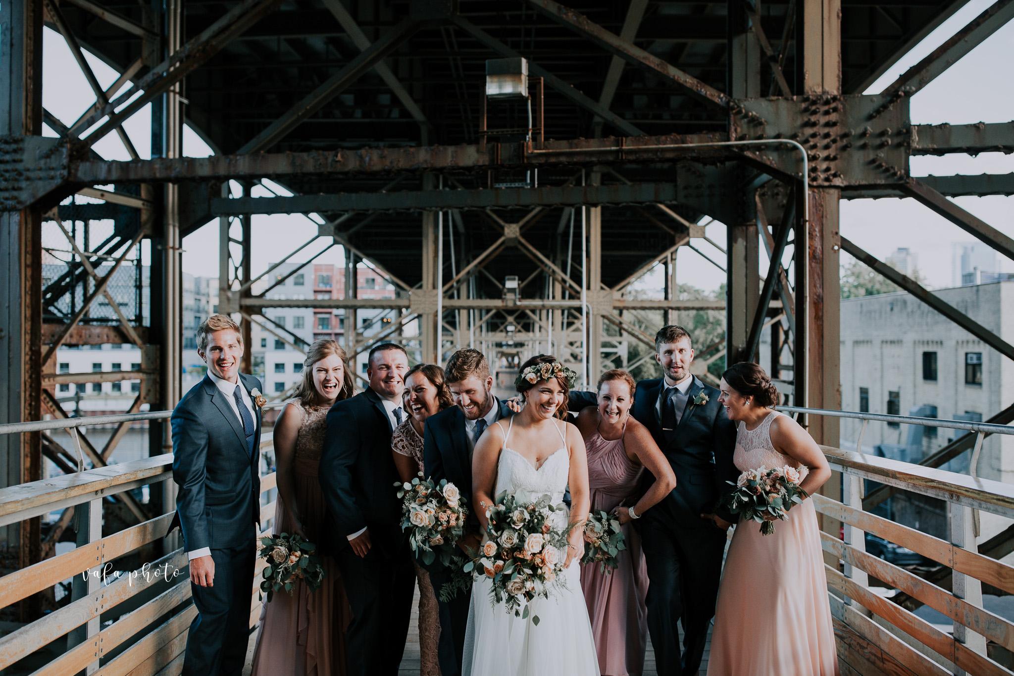 Milwaukee-Athletic-Club-Wedding-Amanda-Tony-Vafa-Photo-788.jpg