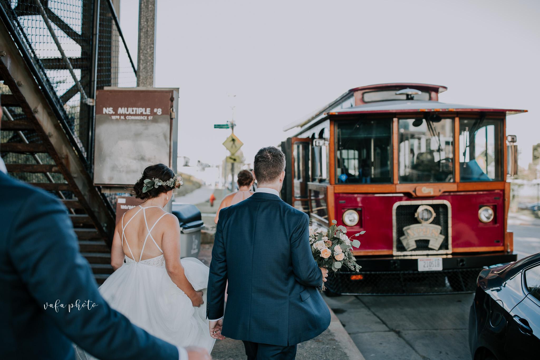 Milwaukee-Athletic-Club-Wedding-Amanda-Tony-Vafa-Photo-798.jpg