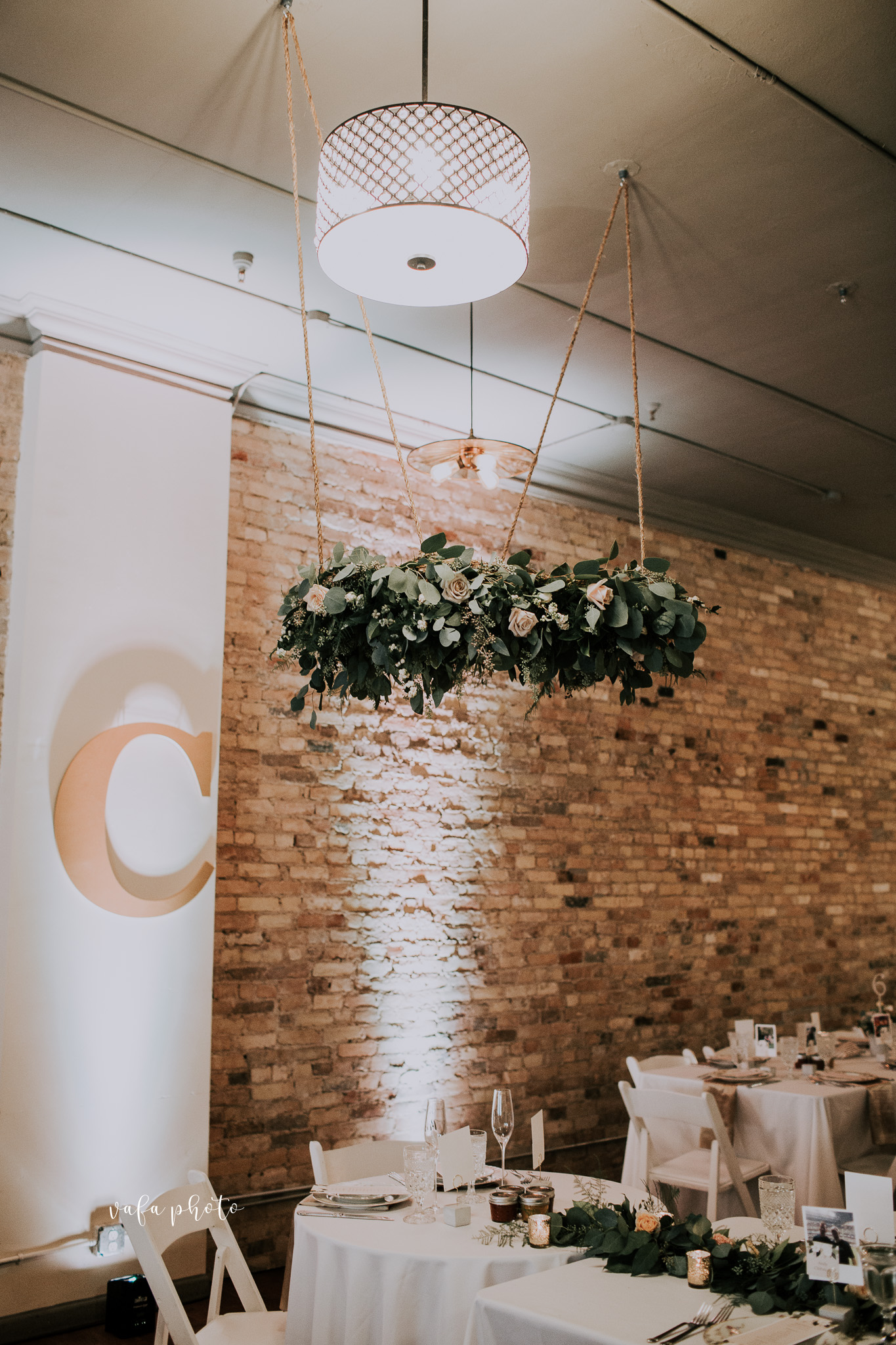 Milwaukee-Athletic-Club-Wedding-Amanda-Tony-Vafa-Photo-817.jpg