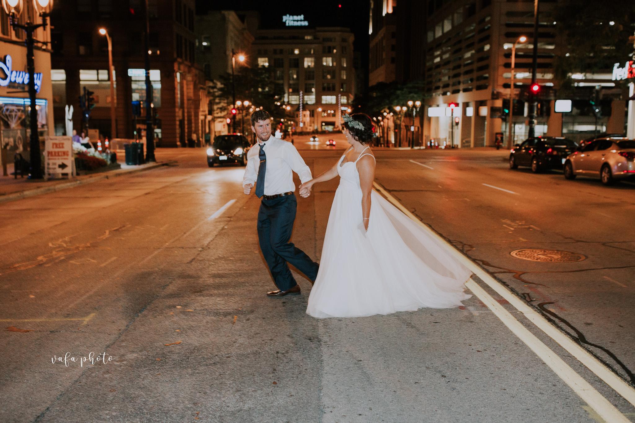 Milwaukee-Athletic-Club-Wedding-Amanda-Tony-Vafa-Photo-1093.jpg