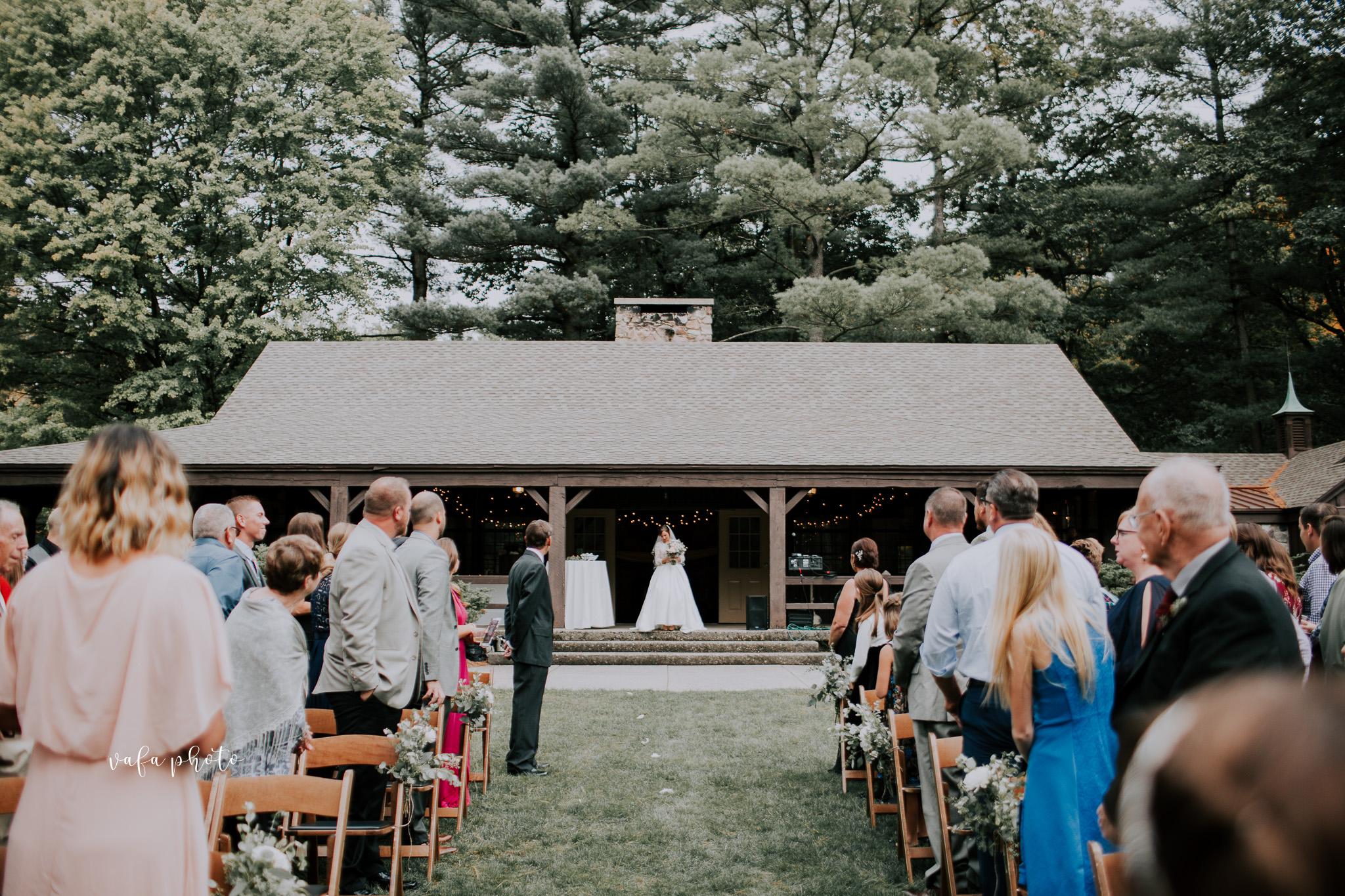 Grand-Rapids-Wedding-Danielle-Brian-Vafa-Photo-663.jpg