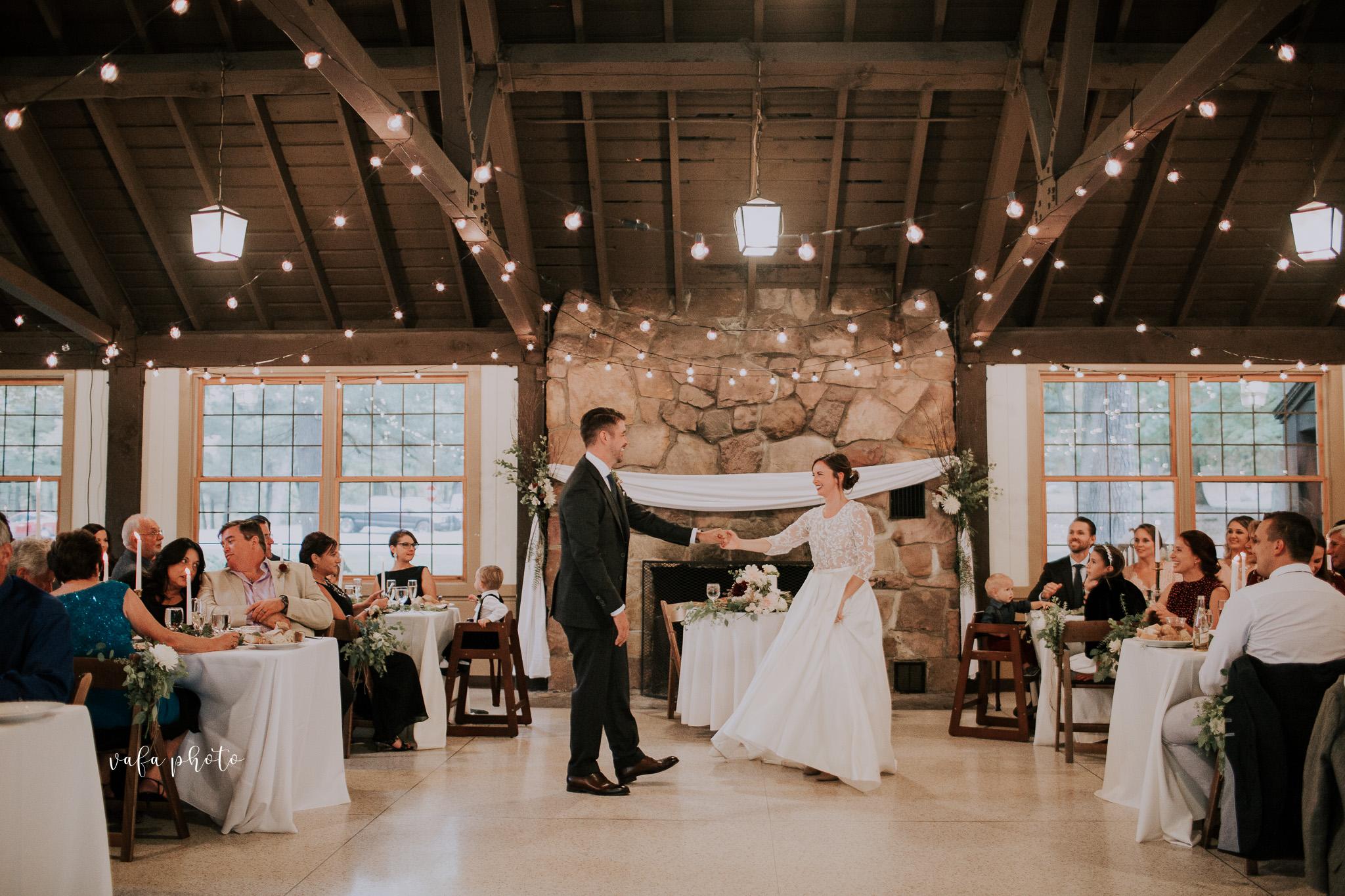 Grand-Rapids-Wedding-Danielle-Brian-Vafa-Photo-907.jpg