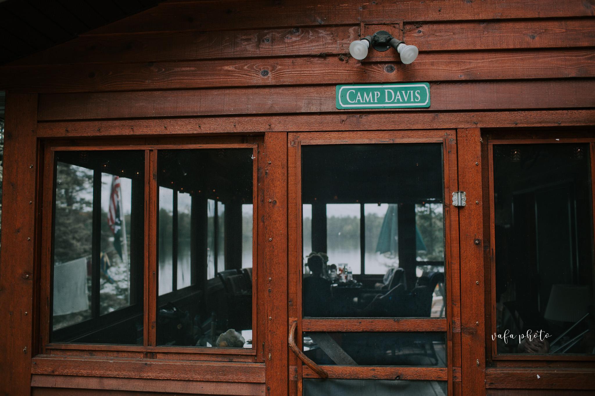 Michigan-Lake-House-Wedding-Madeline-Patrick-Vafa-Photo-18.jpg