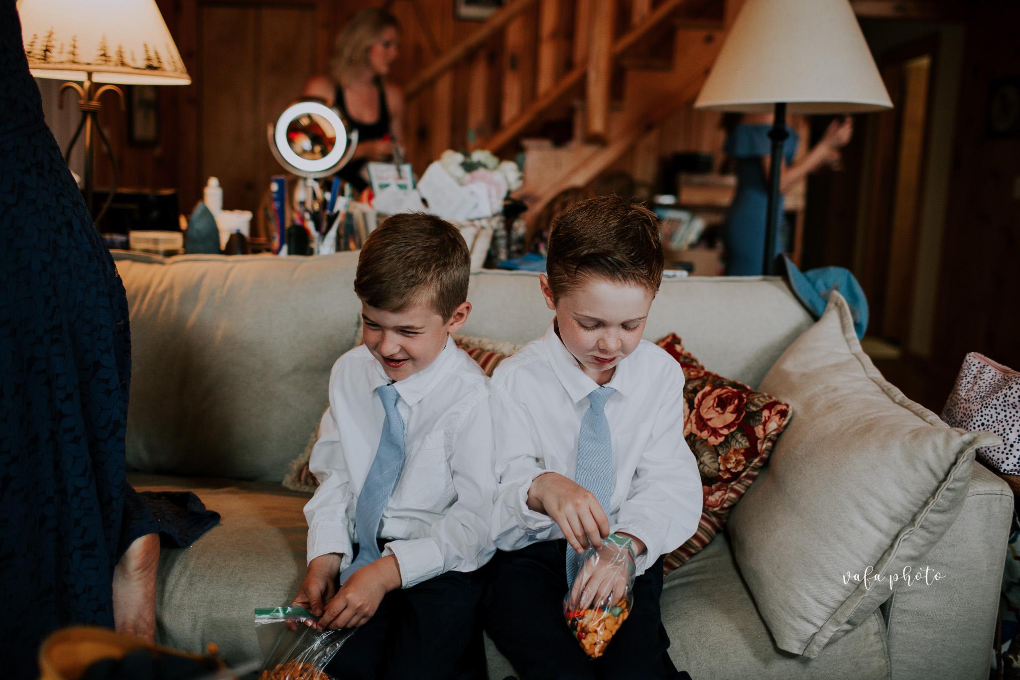 Michigan-Lake-House-Wedding-Madeline-Patrick-Vafa-Photo-79.jpg