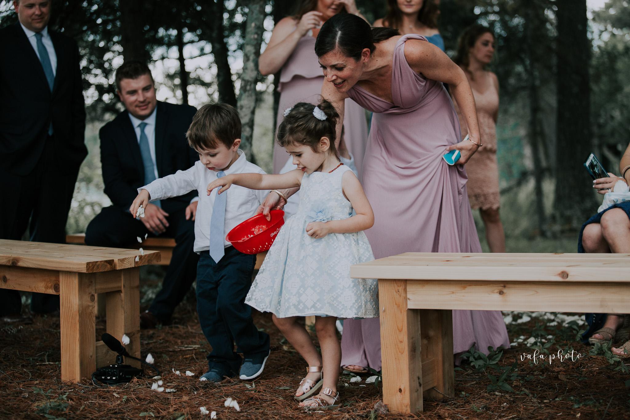 Michigan-Lake-House-Wedding-Madeline-Patrick-Vafa-Photo-256.jpg