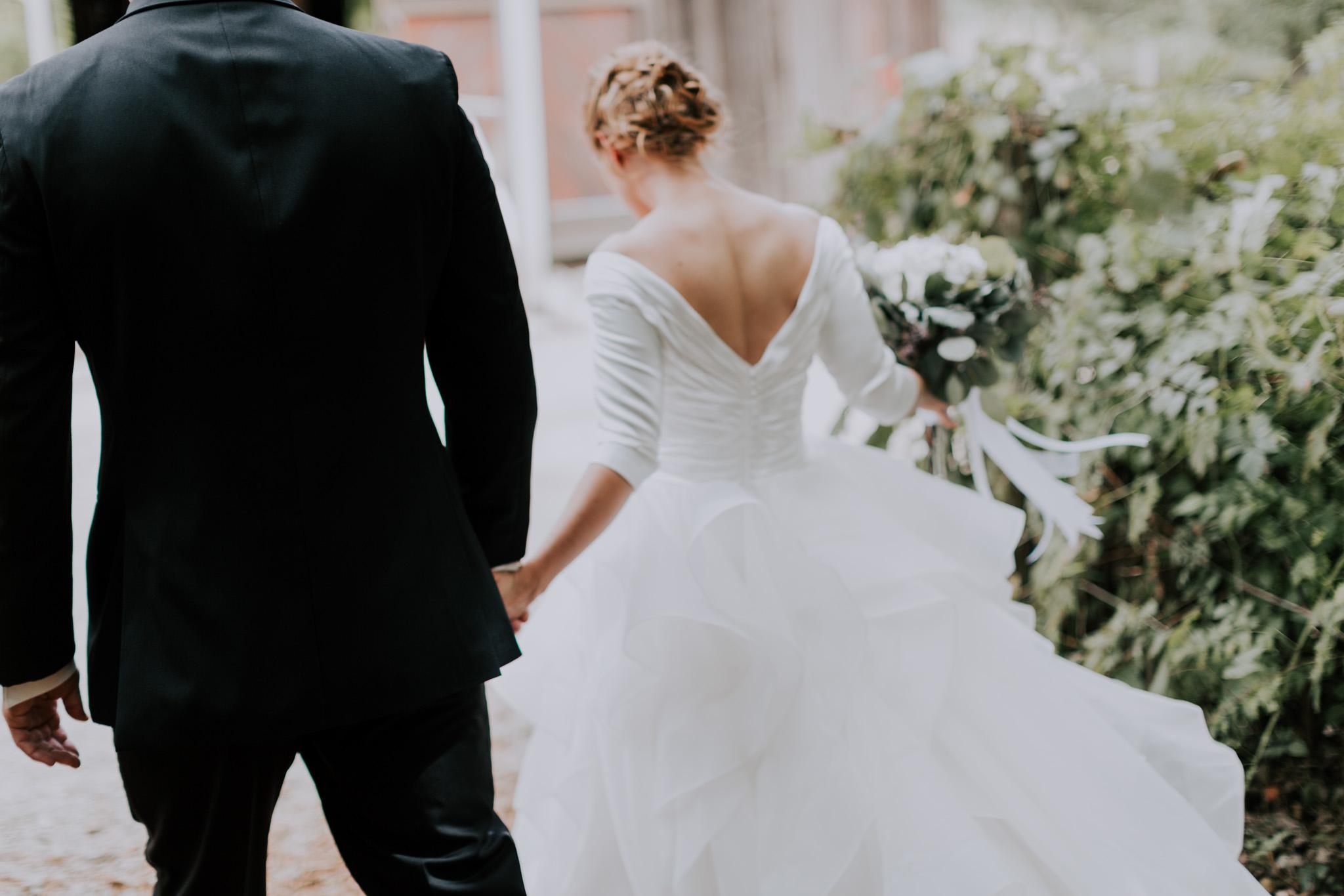 MillCreek-Wilde-Wedding-Barn-Michigan-Eliza-Eric-Vafa-Photo371.jpg