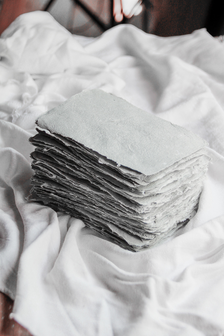 paper-making-with-fabric-scraps-and-newspaper-14