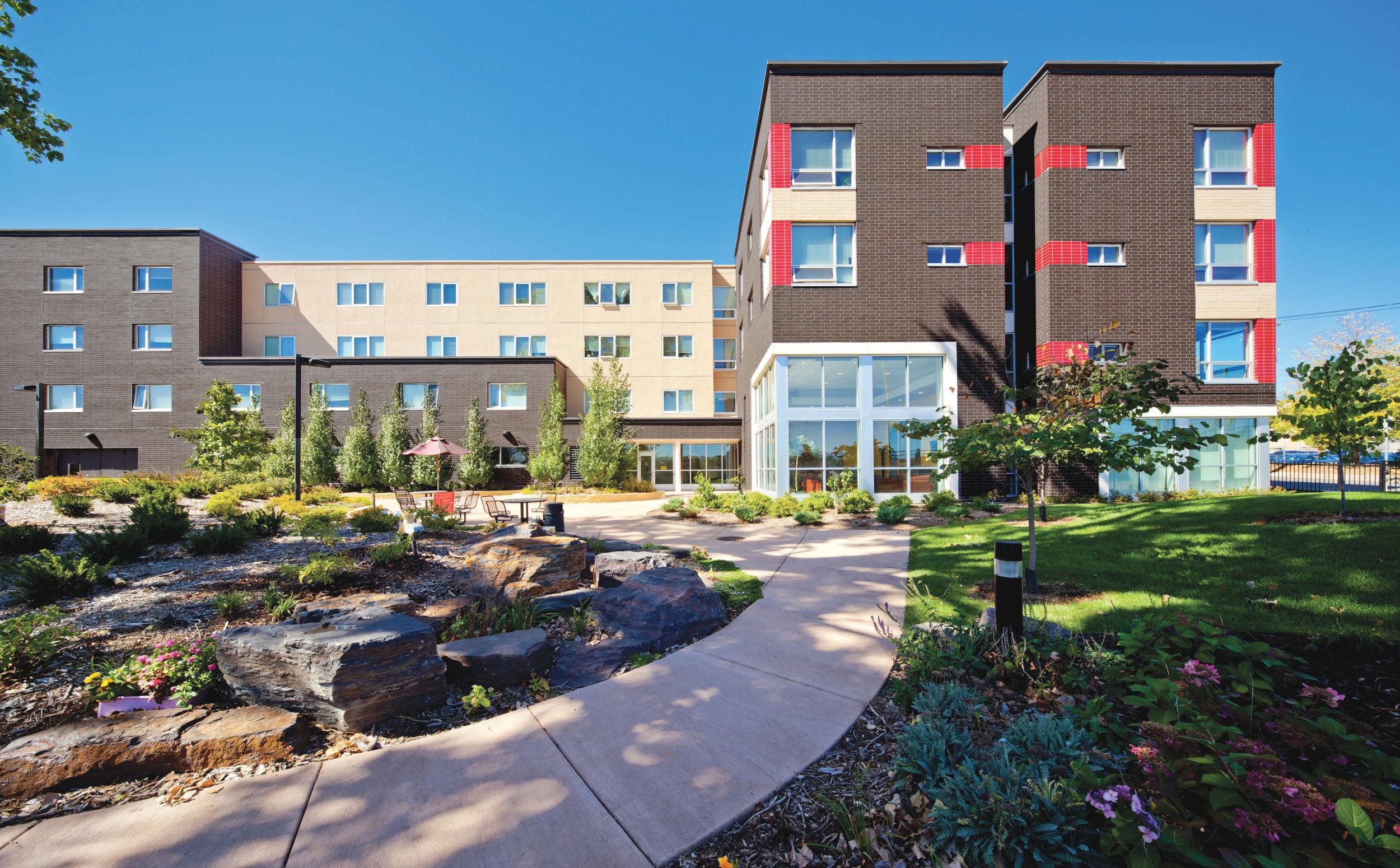 0747-ext-courtyard-west-elevation-horiz-ET.jpg