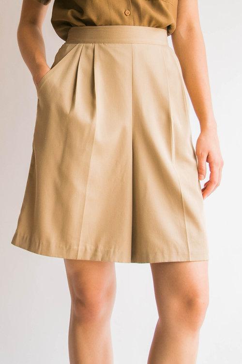 95a0a86788 Vintage 90's Ecru High Rise Trouser Shorts (S)