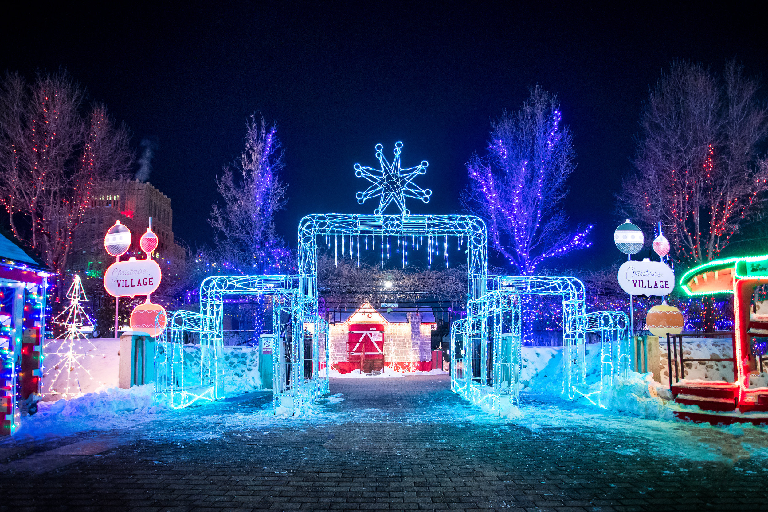 171226_christmasVillage920-Edit-2.jpg