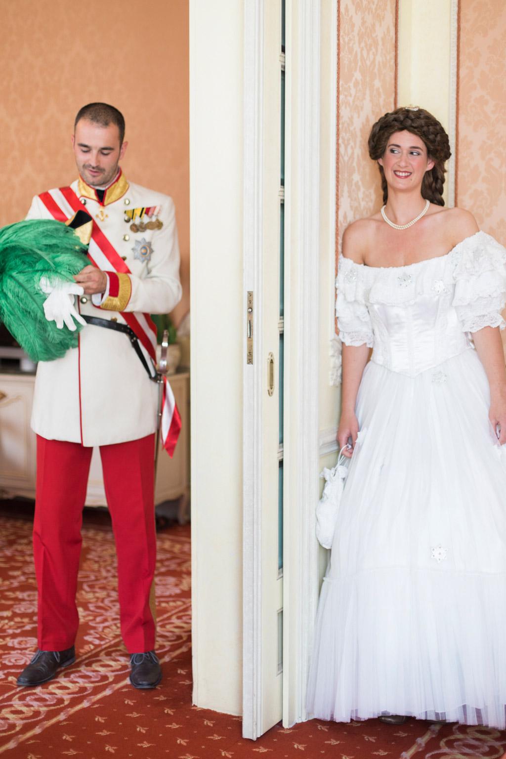 surprise-birthday-wedding-anniversary-themed-shooting-hotel-imperial-schloss-belvedere-vienna-austria-melanie-nedelko-photography-sissi-franz (12).JPG
