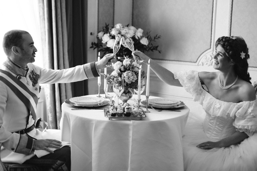 surprise-birthday-wedding-anniversary-themed-shooting-hotel-imperial-schloss-belvedere-vienna-austria-melanie-nedelko-photography-sissi-franz (20).JPG