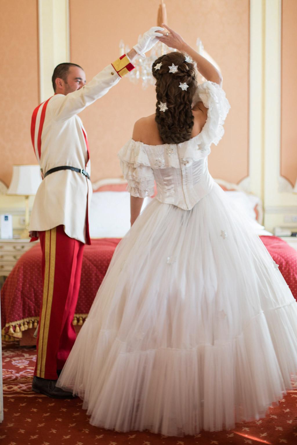surprise-birthday-wedding-anniversary-themed-shooting-hotel-imperial-schloss-belvedere-vienna-austria-melanie-nedelko-photography-sissi-franz (14).JPG