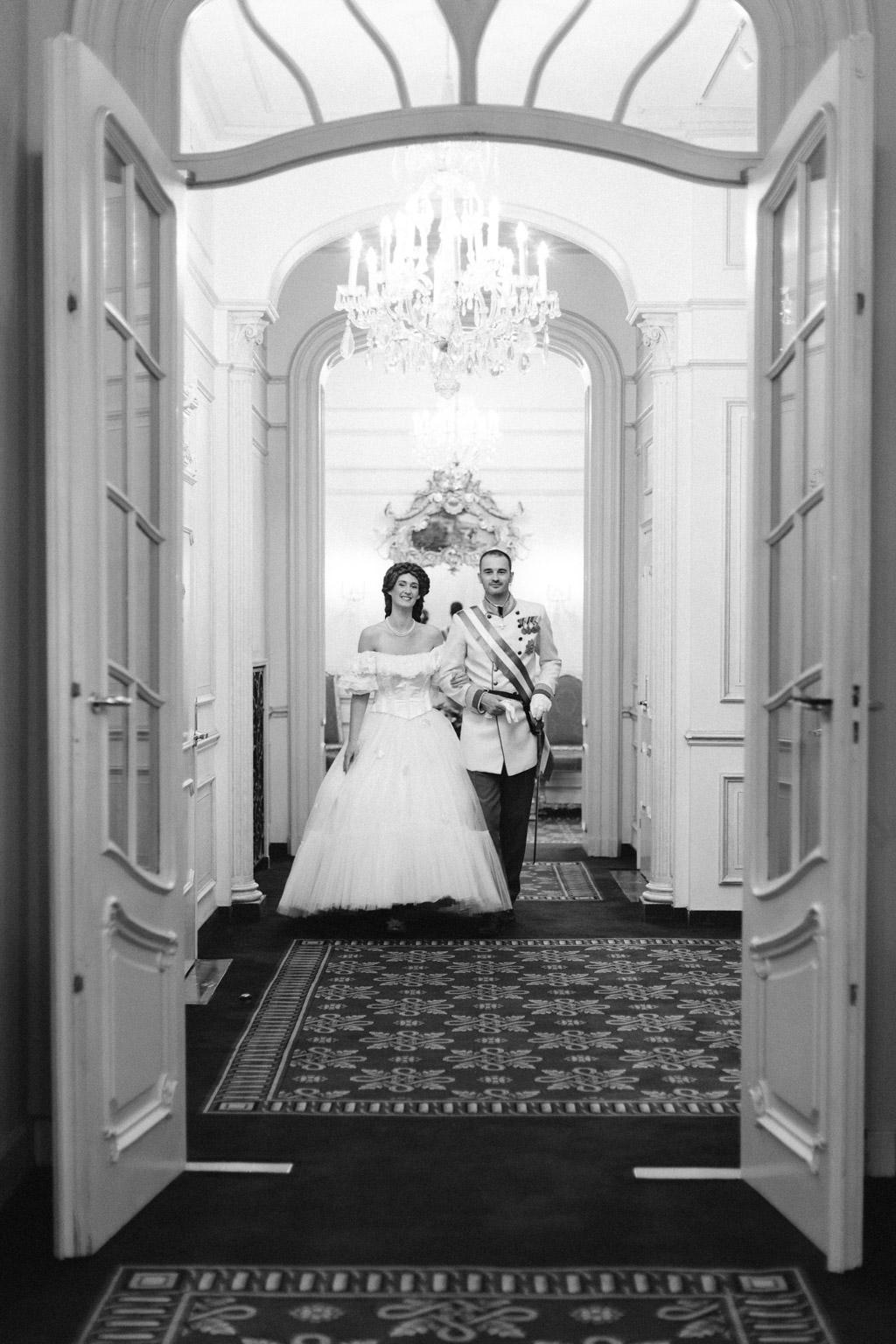 surprise-birthday-wedding-anniversary-themed-shooting-hotel-imperial-schloss-belvedere-vienna-austria-melanie-nedelko-photography-sissi-franz (21).JPG