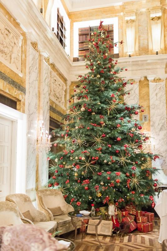 american-christmas-destination-wedding-abroad-luxury-hotel-imperial-wedding-planner-vienna-austria (4).jpg