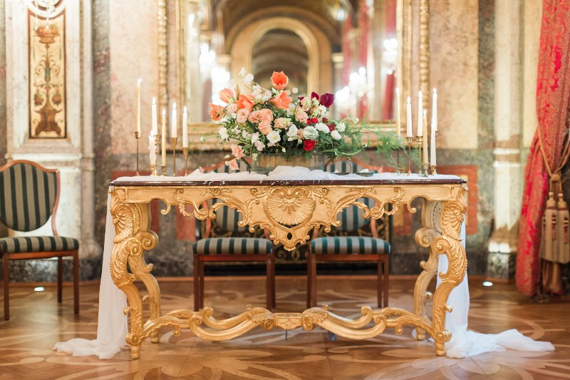american-christmas-destination-wedding-abroad-luxury-hotel-imperial-wedding-planner-vienna-austria (6).jpg