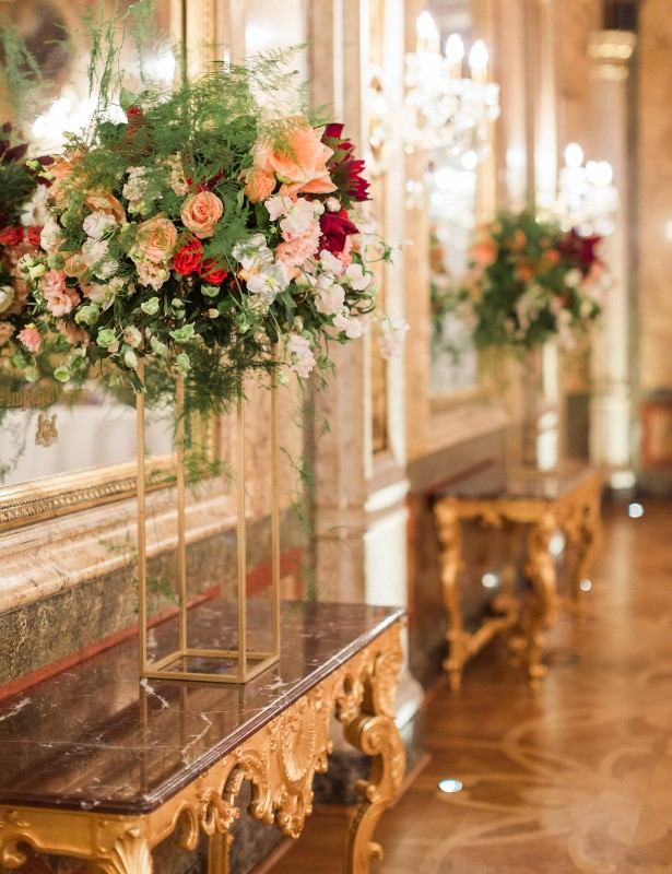 american-christmas-destination-wedding-abroad-luxury-hotel-imperial-wedding-planner-vienna-austria (15).jpg