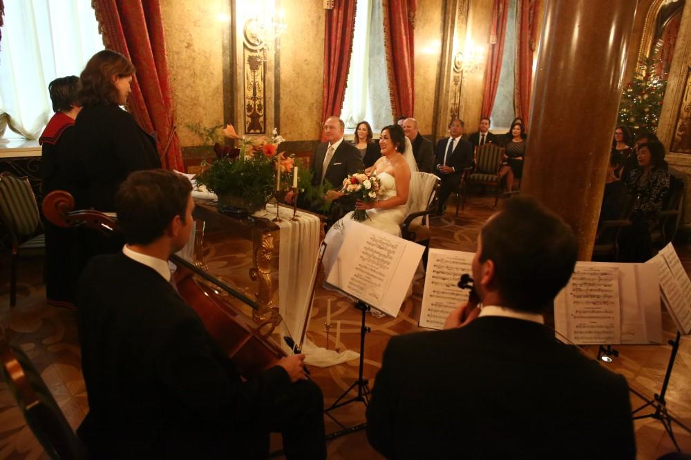 christmas-luxury-winter-destination-wedding-planner-vienna-austria-hotel-imperial-horia-photography (17).jpg