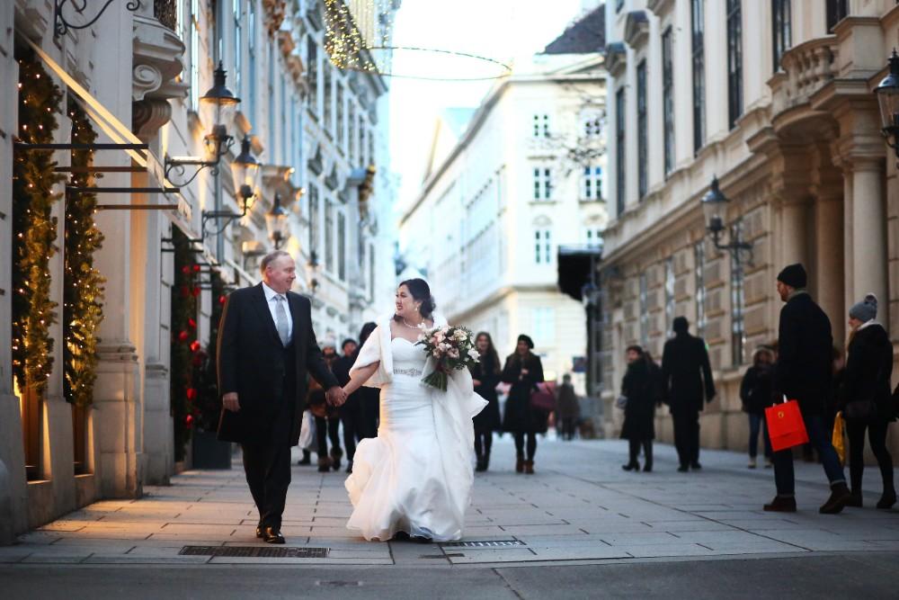 christmas-luxury-winter-destination-wedding-planner-vienna-austria-hotel-imperial-horia-photography (28).jpg