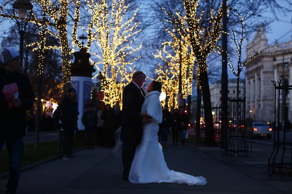 christmas-luxury-winter-destination-wedding-planner-vienna-austria-hotel-imperial-horia-photography (31).jpg