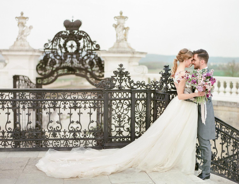 destination-wedding-vienna-austria-styled-schloss-hof-palace-highemotionweddings-nikolbodnarova (59).JPG
