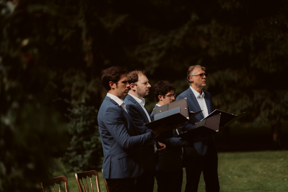 dark-moody-summer-wedding-schloss-margarethen-am-moos-vienna-austria-highemotionweddings-planner-landofwhitedeer (38).jpg