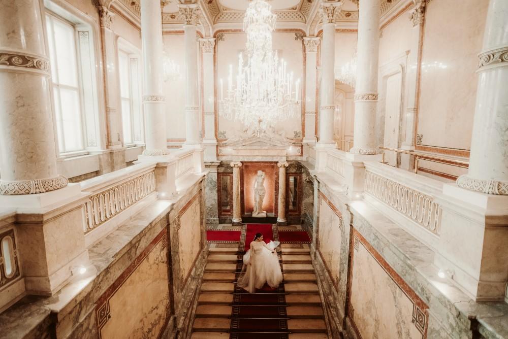 dark-moody-summer-wedding-schloss-margarethen-am-moos-vienna-austria-highemotionweddings-planner-hotel-imperial-bride-getting-ready (16).jpg
