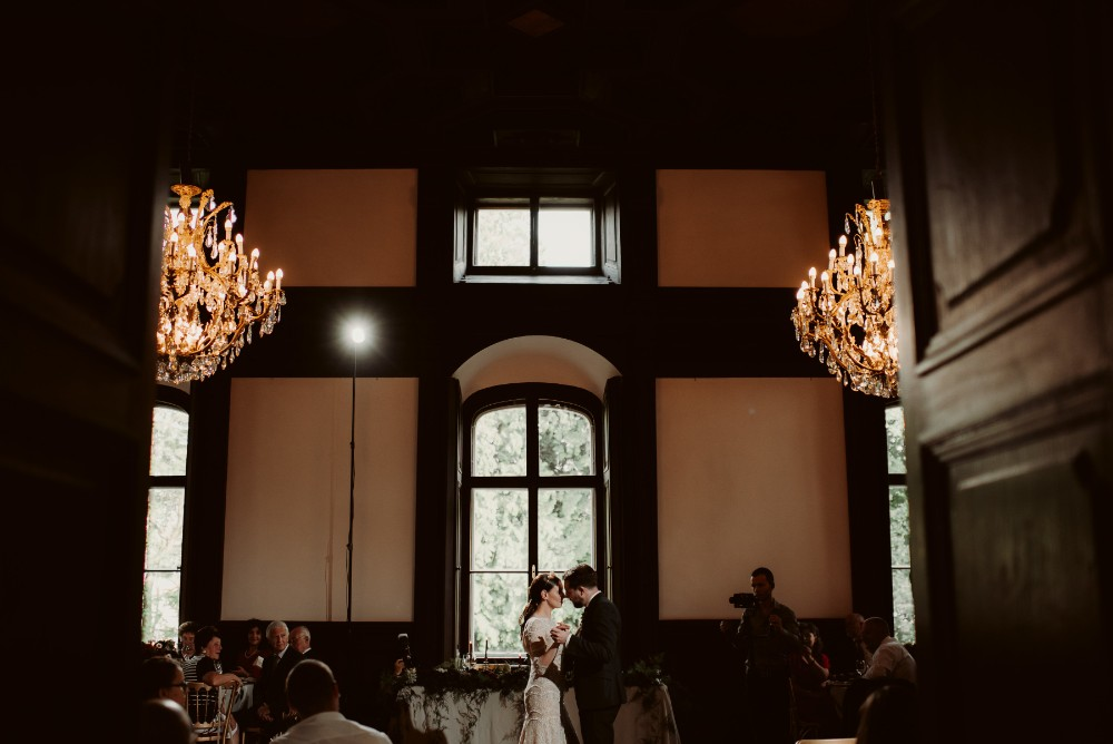 dark-moody-summer-wedding-schloss-margarethen-am-moos-vienna-austria-highemotionweddings-planner-landofwhitedeer (100).jpg