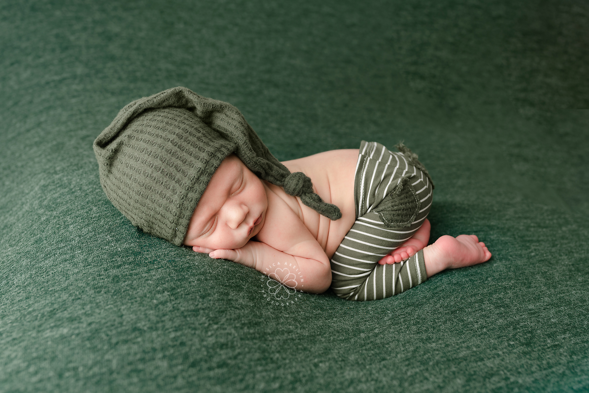 Newborn photo session green