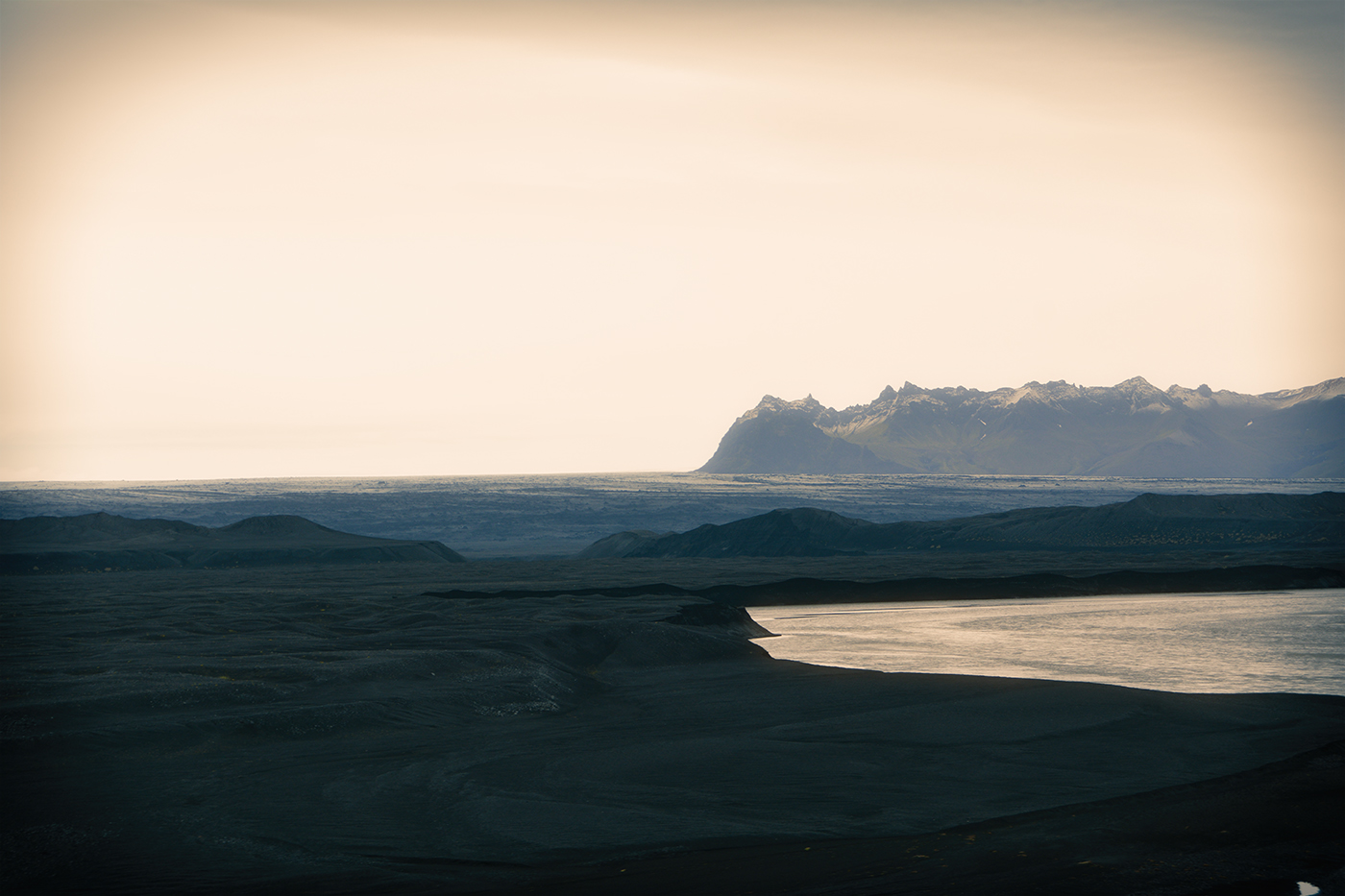 <h2>Iceland</h2><a href='/iceland'>Click to view</a>