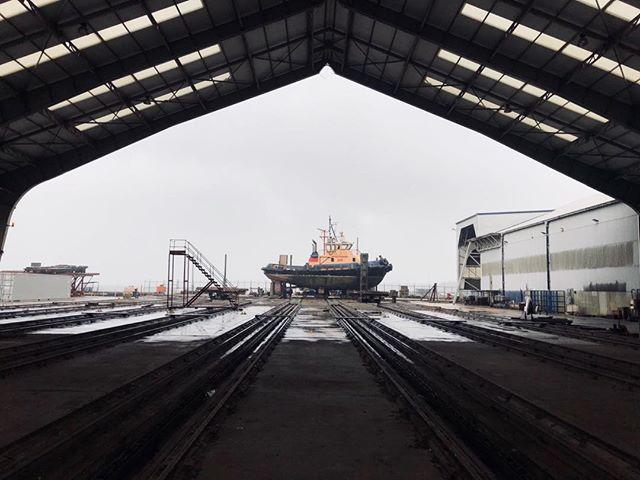 Hythe Shipyard #tug #framed #scouting #twirlywoos