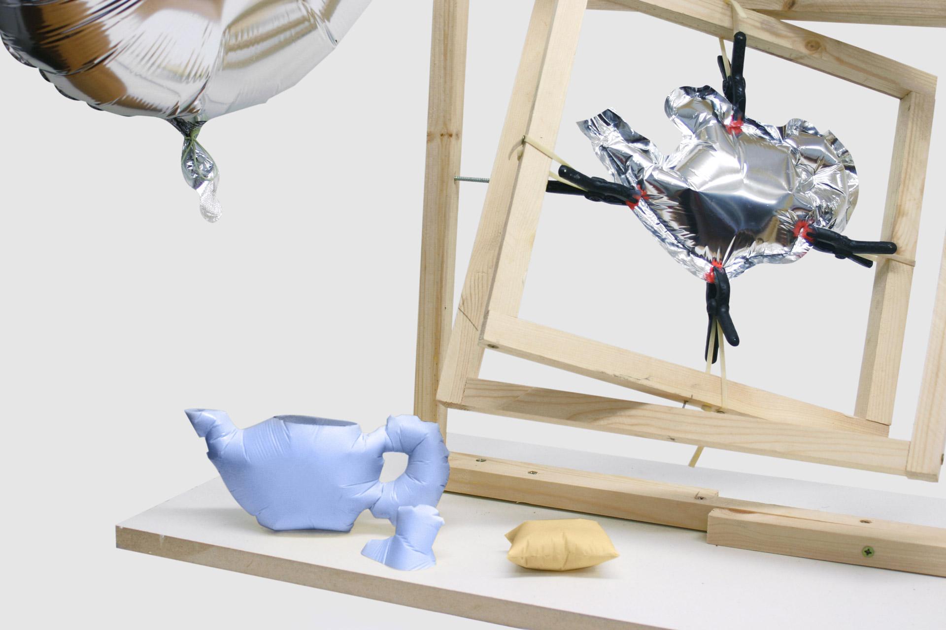 Tino Seubert - Blow-Up Moulding