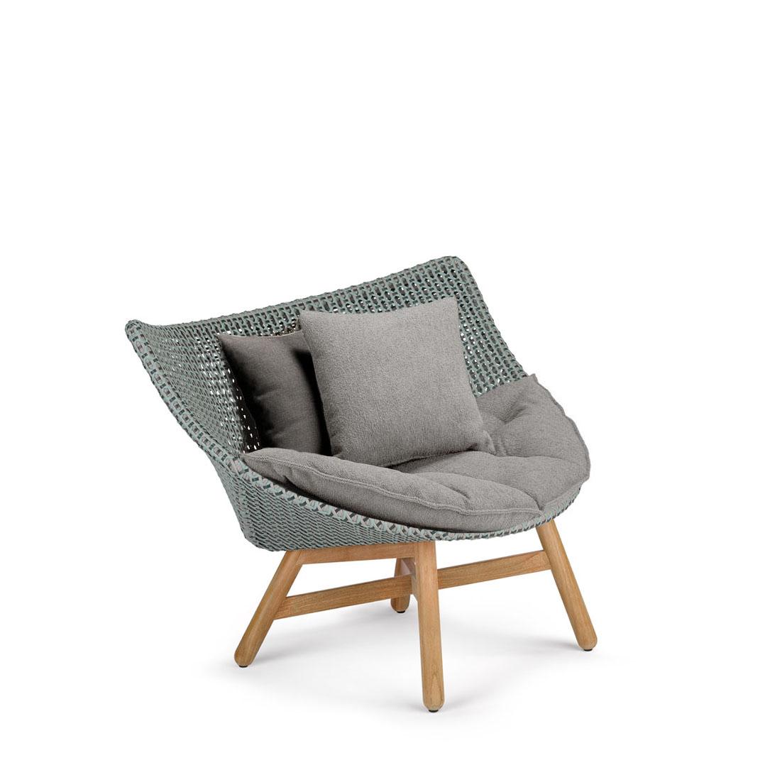 DEDON-Mbrace-Lounge-chair-baltic-teak.jpg