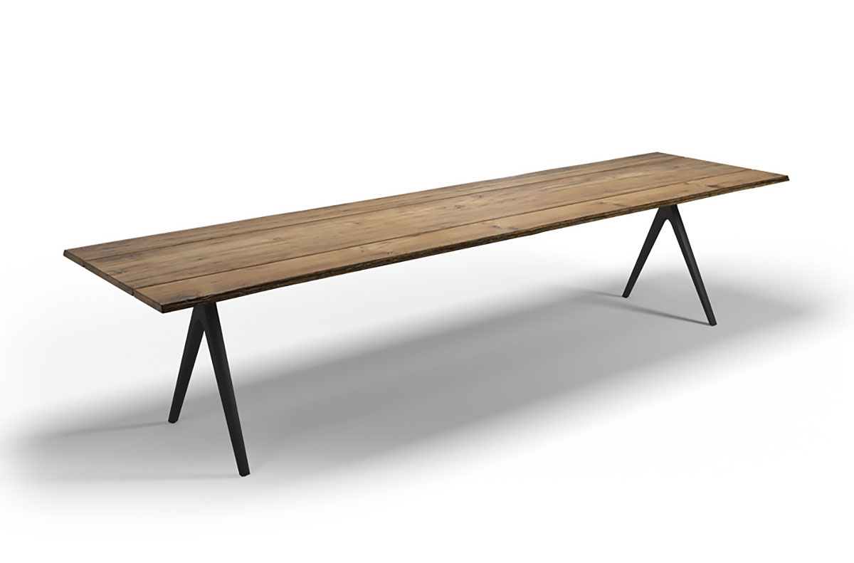 Gloster RAW   Dining Table