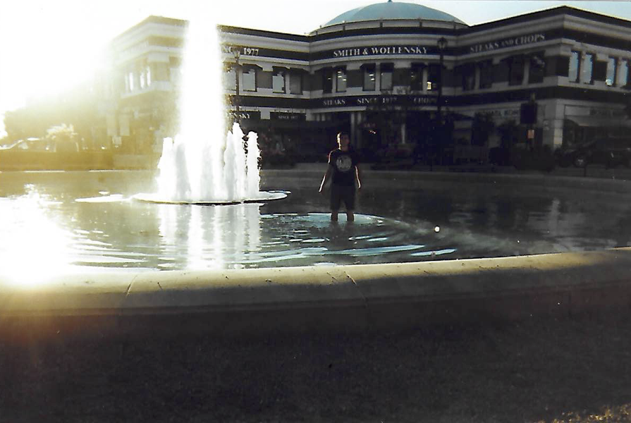 Ricky in fountain.png