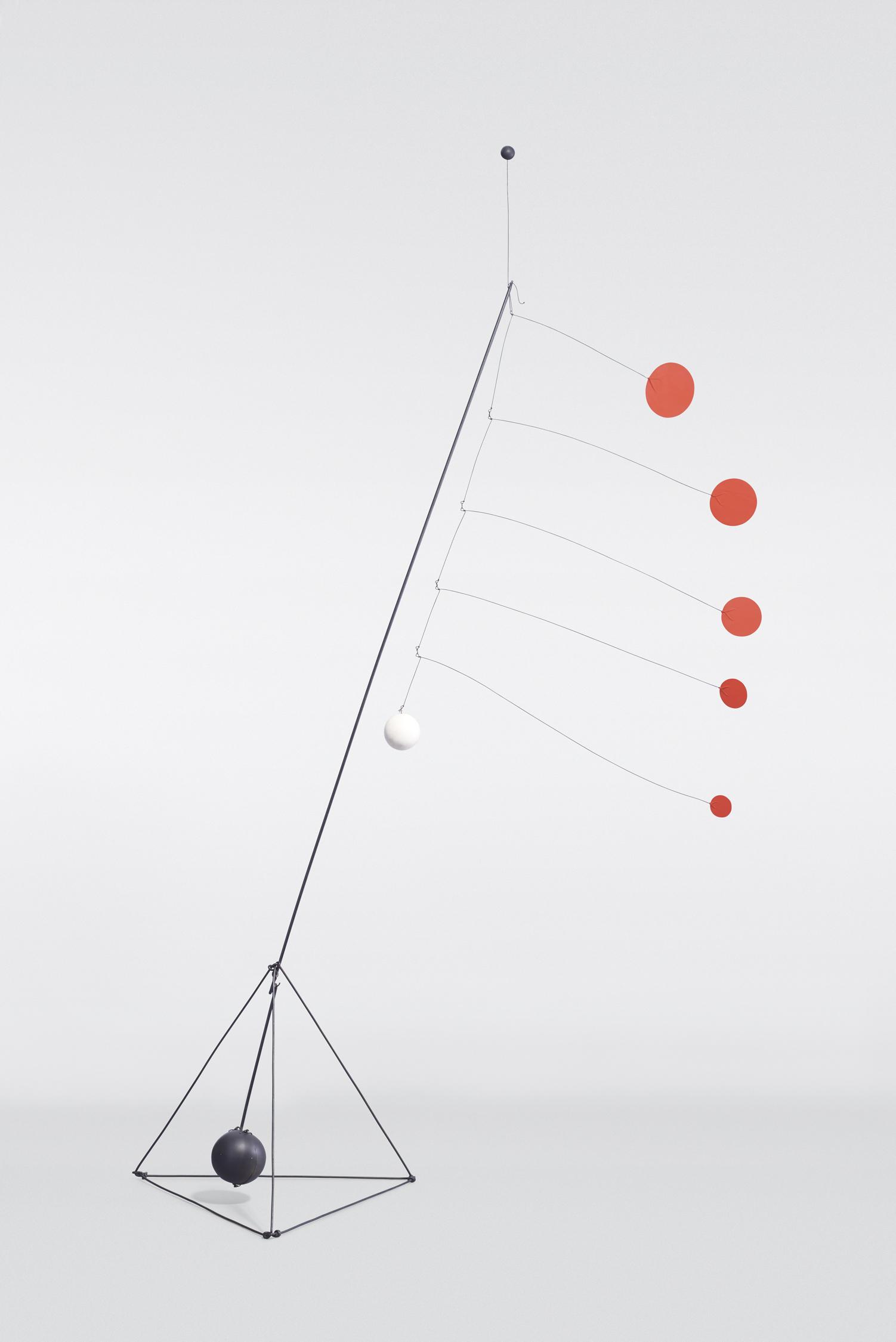 Calder_Object_Red_Discs_Sequence_021_BEAUTY_SHOT_final.jpg