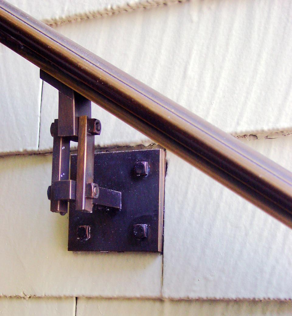 railing-bracket.jpg